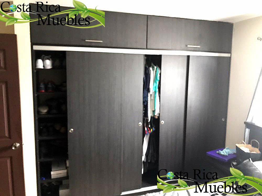 Closets for Closet con espacio para tv